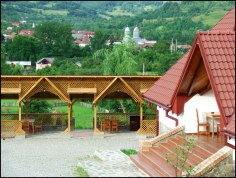 Pensiunea Belvedere este situată în inima munților